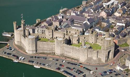 photo caernarfon20castle20wales_zpslgub51ni.jpg