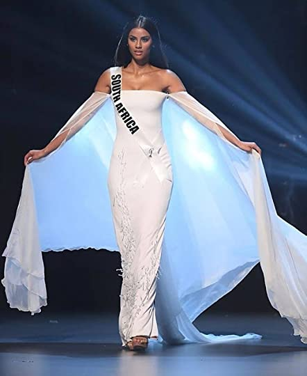 fc354c0ba99 4. Miss Universe South Africa Tamaryn Green--Dressed in an off-the-shoulder  ivory gown from Galluzi e Gini Tamaryn looked like a Gown Angel!