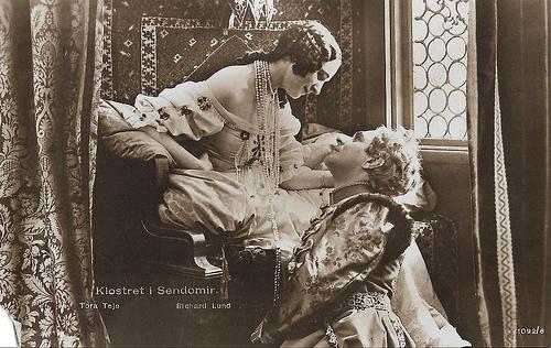 Tora Teje and Richard Lund in Klostret i Sendomir (1920)