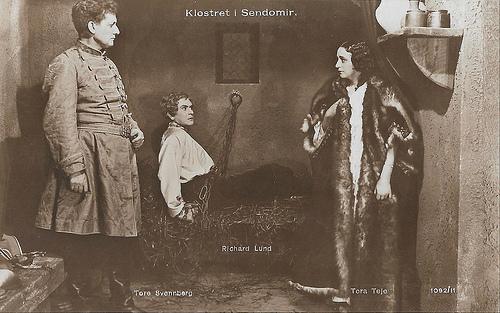 Tore Svennberg, Richard Lund and Tora Teje in Klostret i Sendomir (1920)