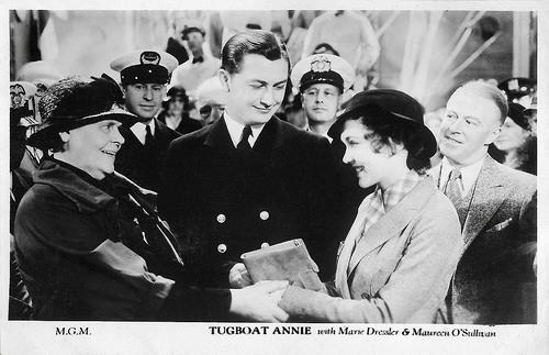 Marie Dressler, Robert Young and Maureen O'Sullivan in Tugboat Annie (1933)
