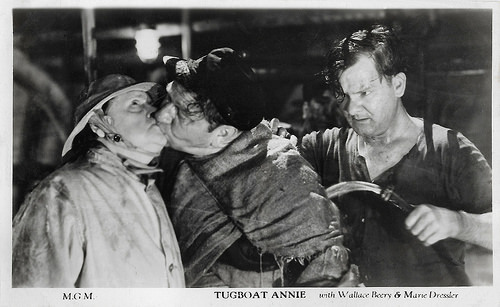 Marie Dressler, Wallace Beery and Paul Hurst in Tugboat Annie (1933)