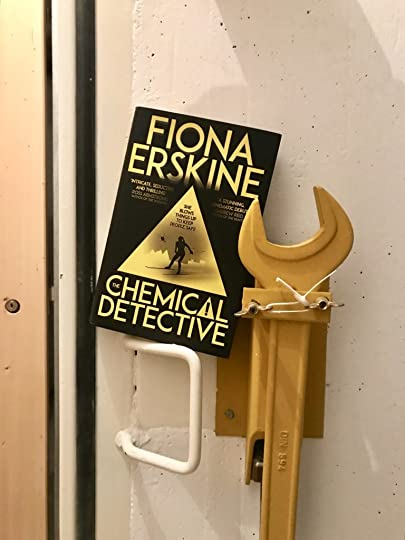 The Chemical Detective by Fiona Erskine