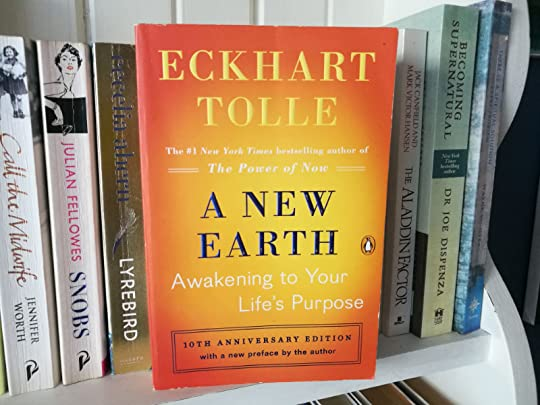 BOOKS: A New Earth by Eckhart Tolle