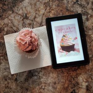 Cupcakes & Crumbs CR