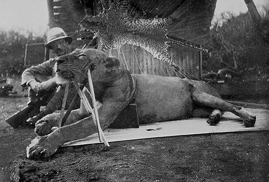 Colonel-Patterson-with-Tsavo-Lion