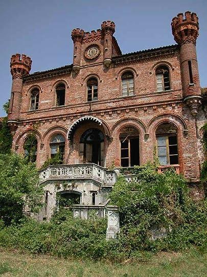 0d5fbc4af3261f5e70ce0986e0fded31--abandoned-castles-abandoned-mansions.jpg