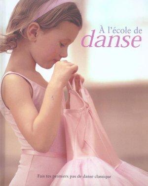 À lécole de danse  by  Naia Bray-Moffatt