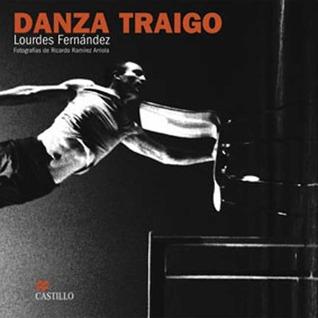Danza Traigo  by  Lourdes Fernandez