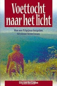 Voettocht naar het licht  by  Elly Van Der Linden