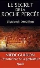 Le Secret de la Roche Percée  by  Elizabeth Drevillon