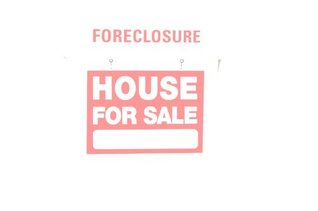 BULK FORECLOSURES - Profiting from the Last Wave of the Real Estate Boom R. Crowne