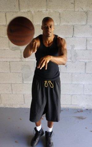 HoopHandbook #11- Passing (Hoop Handbook Basketball Training Programs) Dre Baldwin