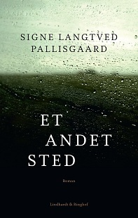 Et andet sted  by  Signe Langtved Pallisgaard