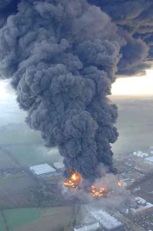 Buncefield Depot Fire 2005 - A Students Perspective Daniel Forbes