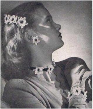 #2261 FLOWER GIRL VINTAGE CROCHET PATTERN Princess of Patterns