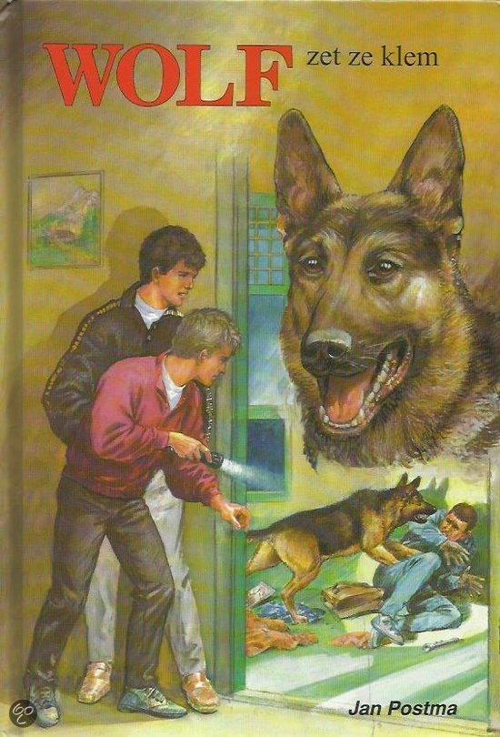Wolf zet ze klem  by  Jan Postma