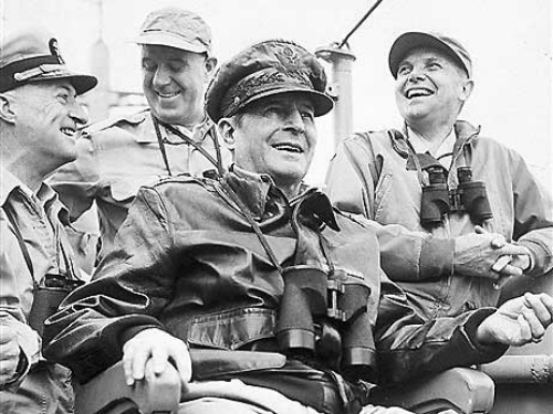 photo Douglas20MacArthur20Korean20War_zpsonzsqzxc.jpg