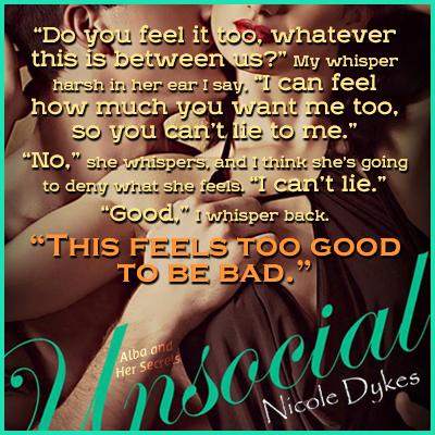 photo Unsocial - Nicole Dykes_zpsvyiqex0p.png